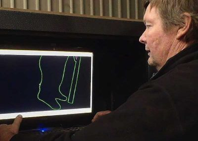 CAD programming of the laser for cutting the figures
