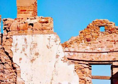 Inside ruins of Fettlers cottage